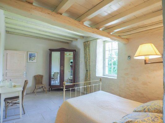 chambres-d-hotes-logis-la-tour-85410-saint-laurent-de-la-salle-2