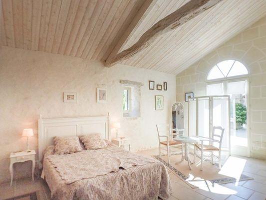 chambres-d-hotes-logis-la-tour-85410-saint-laurent-de-la-salle-4