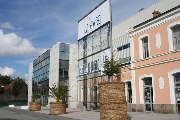 espace-culturel-congrès-rené-cassin-la-gare-fontenay-le-comte-85200-1