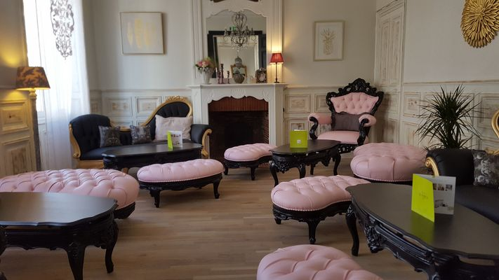 Salon De The Le Boudoir De Jeanne Tea Room Fontenay Le Comte