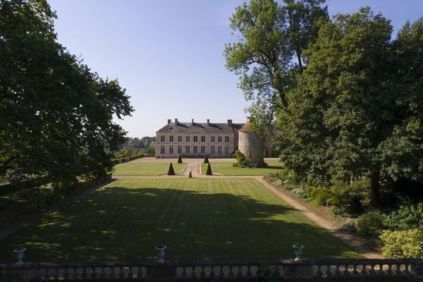 parc-du-chateau-de-l-hermenault-85570-03