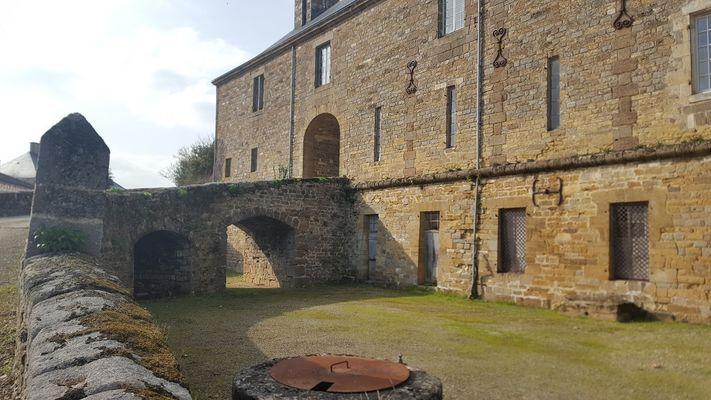 parc-du-chateau-de-l-hermenault-85570-7
