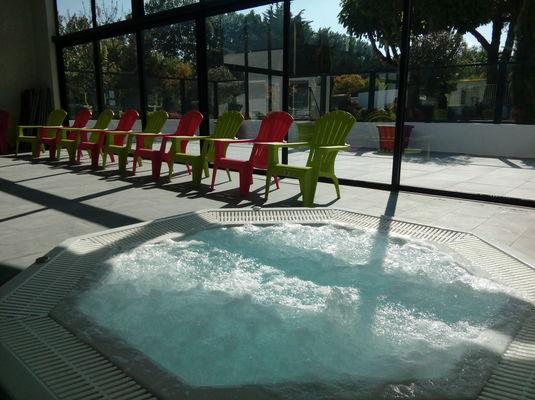 spa piscine couverte domaine des salins