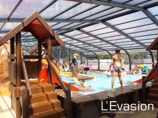 2018-camping-evasion-landevieille-vendee-les-sables-olonne-piscine-jeux-toboggans-pataugeoire-ludique