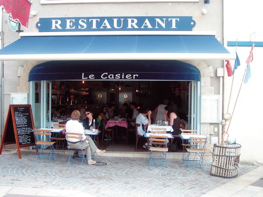2216_restaurantlecasier2