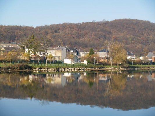 "VIREUX-WALLERAND, Village Fleuri ""3 Fleurs"""