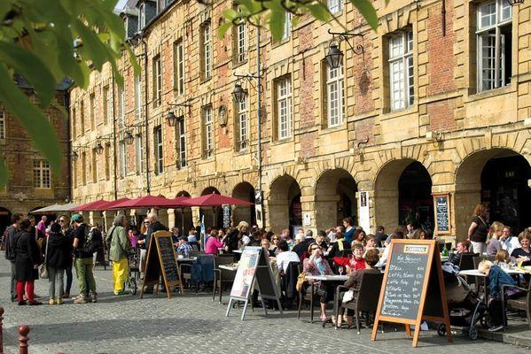 Les terrasses de la Place Ducale
