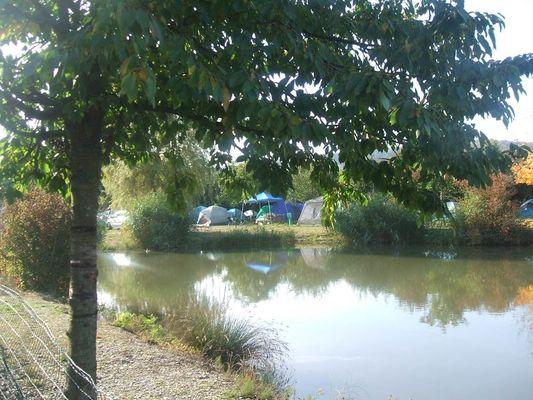 Camping Les Naïades - l'étang de pêche