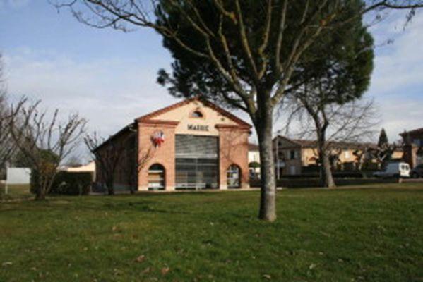 village bressols - mairie bressols - découvrir bressols patrimoine