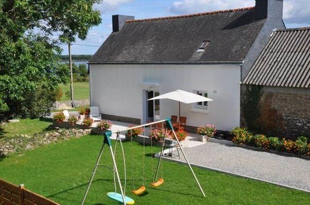 """Clévacances - Meublé 56MS0155 - """"""""L'Aigrette sacrée"""" : maison rénovée au calme sur les bords de la Ria d'Etel"""" - Sainte-Hélène - Morbihan Bretagne Sud"""
