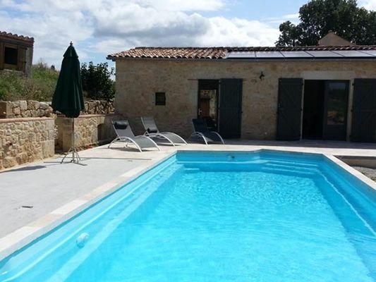 piscine avec accès direct des chambres