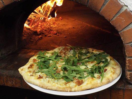 "Pizzeria ""Pizza Party 08"""
