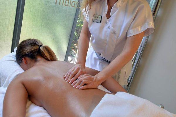 Thalazur-Carnac-massage-dorsal-Morbihan-Bretagne-Sud