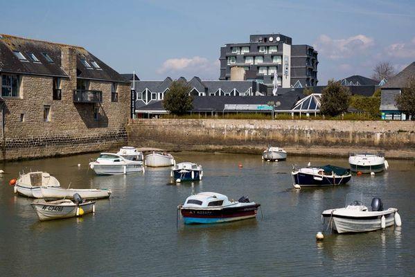 Vue-Port-en-Dro-Petit-train-touristique-Carnac-Morbihan-Bretagne-Sud