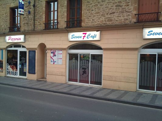 Seven Café