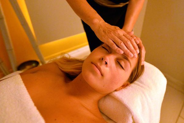 Thalazur-Carnac-massage-visage-Morbihan-Bretagne-Sud