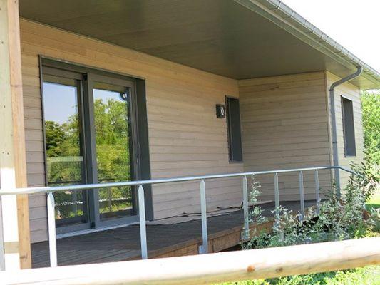 Gîte Nature et Sens : terrasse couverte