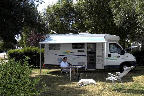 Camping Le Lomagnol - Emplacement - Beaumont-de-Lomagne - Tourisme Tarn-et-Garonne