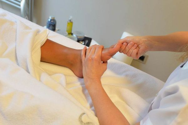 Thalazur-Carnac-massage-pied-Morbihan-Bretagne-Sud