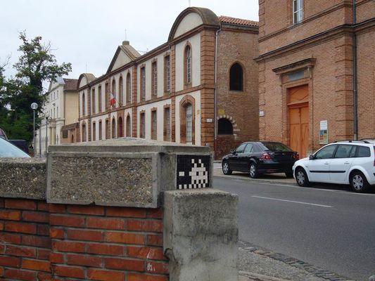 Invaders - artiste invader - montauban- street art - mosaique - visiter montauban