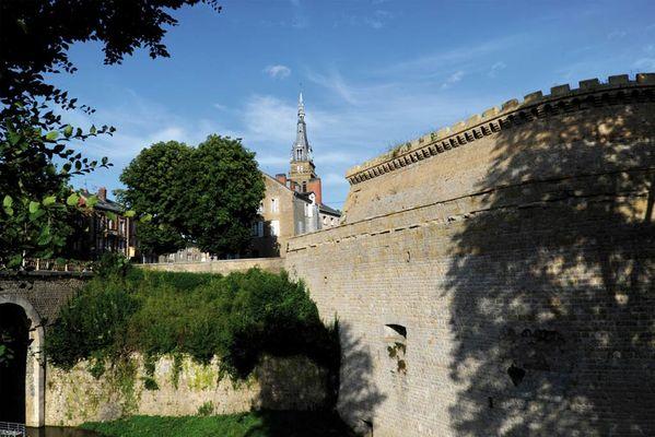 Le coeur de ville du Moyen-Âge à Mézières