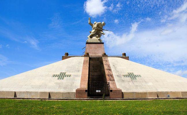 Monument aux morts des Armées de Champagne