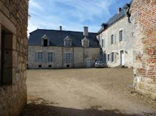 Cours du Château