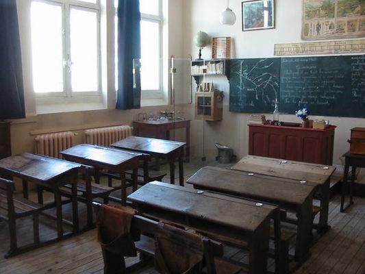 Maison école