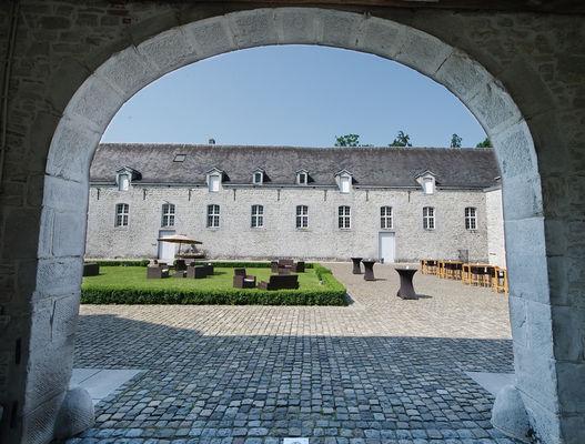 Domaine du Château de Modave - Modave - cour interieure