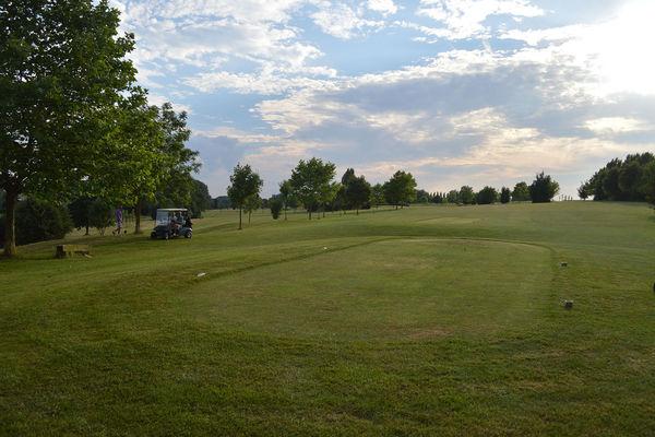 Avernas Golf Club - Hannut - Terrain et voiturette