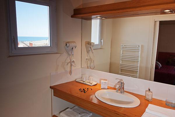 salle-de-bain-hotel-les-voygeurs-ile-yeu-635
