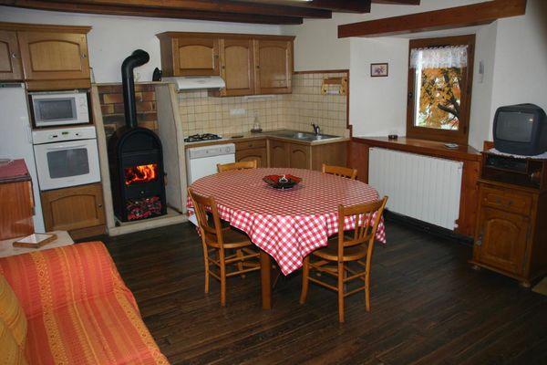 cuisine séjour chalet l'eterlou au village des estaris