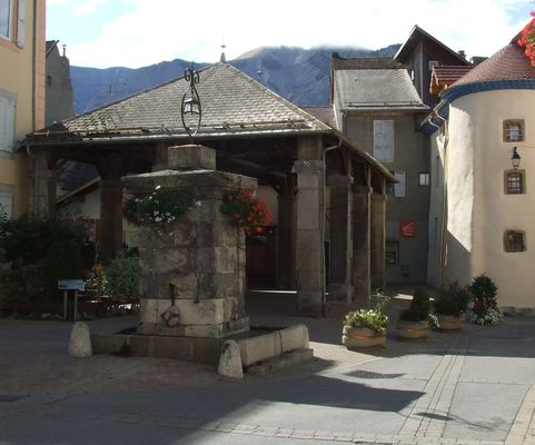 Place Grenette St Bonnet en Champsaur