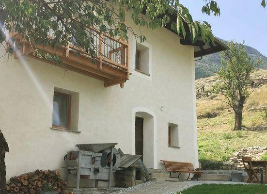 La Maison Abeil-Hautes Alpes- chambres d'hôtes