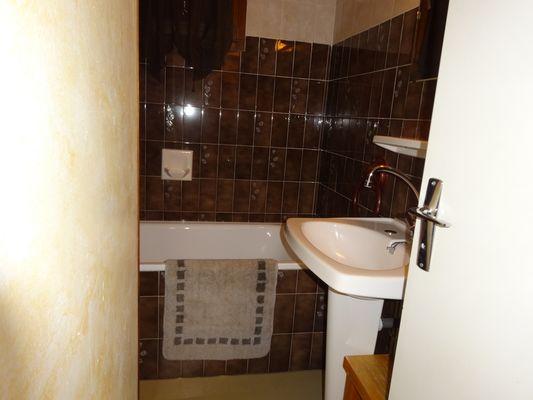 Salle de bain Meublé Mme RANGUIS Régine Orcières Merlette