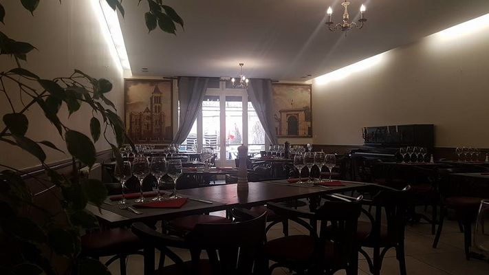 Salle de restaurant - la Table Ronde