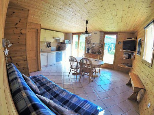 aussois-le-croe-location-meublee-gleizal-sejour-cuisine-exterieur