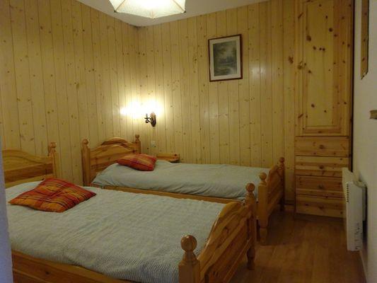 Chambre lits simples Meublé Mme PROCHASSON Nicole Orcières Merlette 1850