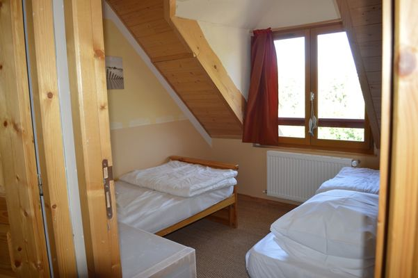 Chambre 1 Meublé Mme RAYNAL Location Ancelle