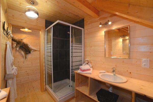 Gite de l'Ours Pont Peyron salle de bain