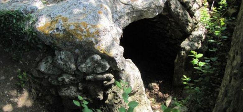 Dolmen-de-la-Pitchoune
