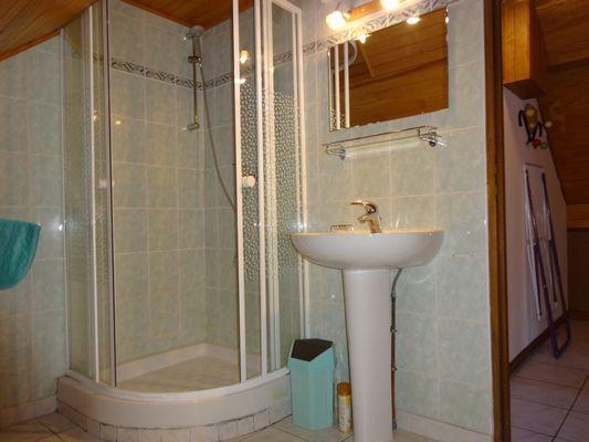 Salle d'eau Meublé Mme CESMAT D Location Ancelle