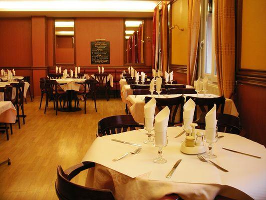 Restaurant Le Saint >Georges Saint-Ouen 93