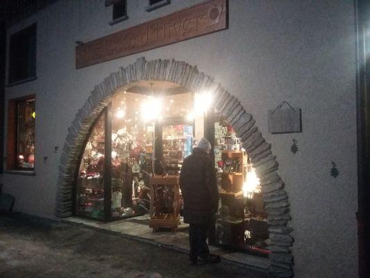 bessans-commerces-coin-hiver-souvenirs