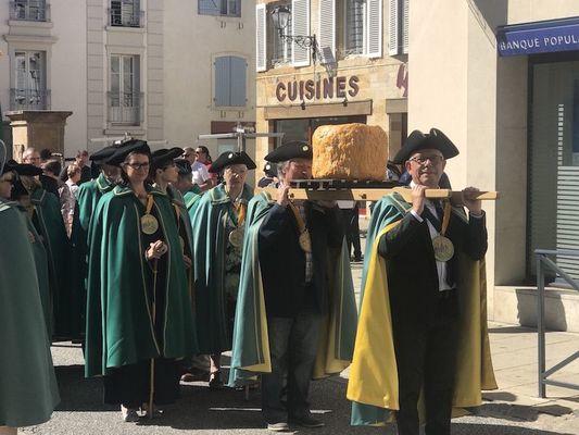 champagne 52 chapitre confrerie tastes fromage de langres 2820.