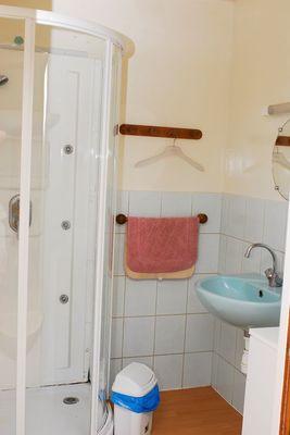 gite de groupe lac du der droyes 52g809 salle de bain.