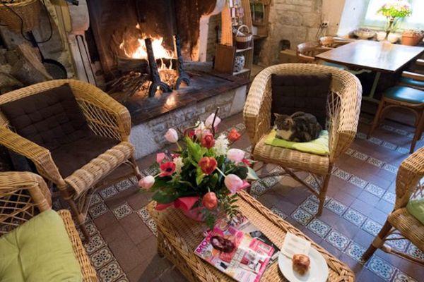 champagne 52 villiers sur suize auberge de  la fontaine salon cheminee.
