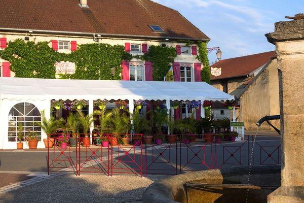 champagne 52 villiers sur suize auberge de  la fontaine.