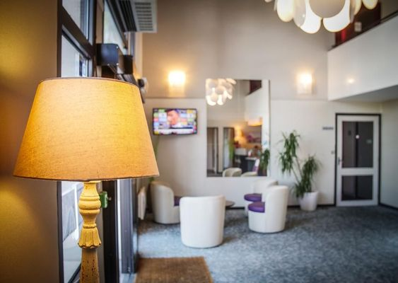 champagne 52 langres hotel inn design salon.