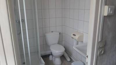 champagne 52 foulain hotel le chalet salle de bain.